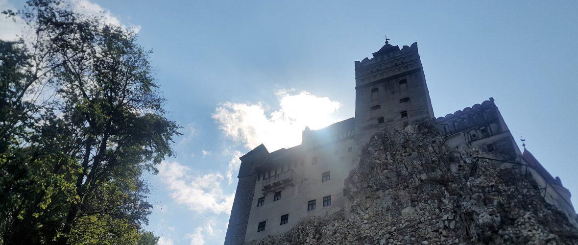 bran castle dracula kalesi 1180x500 Romanya Transilvanya ve Bükreş Turu